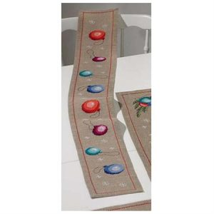 Christmas Ball Table runner